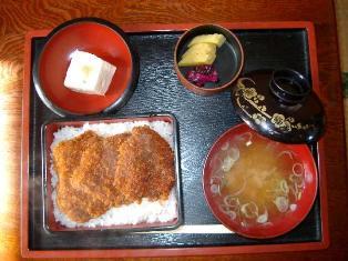 渋川食堂 700円(ソースカツ重)