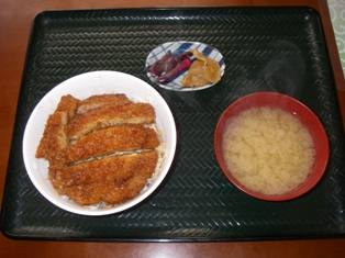 えびす食堂 500円(ロースソース丼)