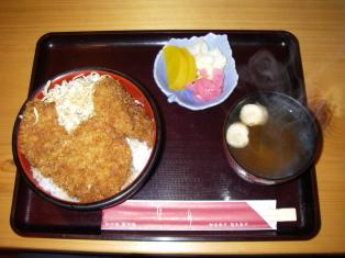 けい月 630円(ソースひれカツ丼)