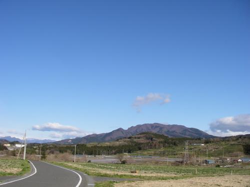 黒井峯から望む小野子山