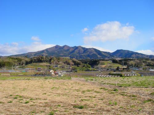 黒井峯から望む子持山