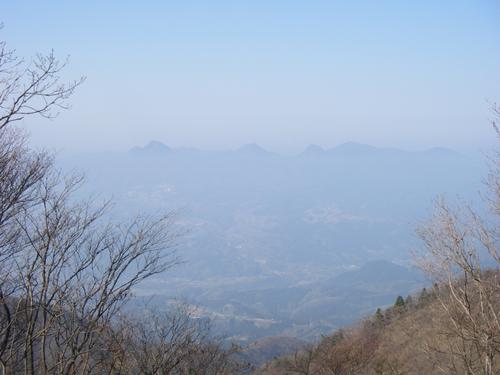 浮かぶ小野子山